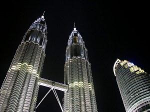 petronas_twin_towers_kuala_lumpur_klcc_malaysia_wallpaper-normal